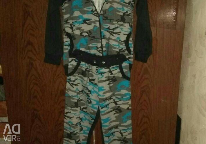 Sports suit. P42-44