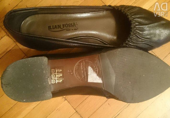 Туфли чeрные кожанные