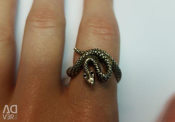 Ring. Silver 925 sample.