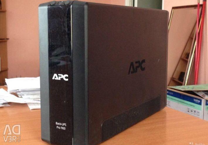 Джерела безперебійного живлення APC Back-UPS Pro 900