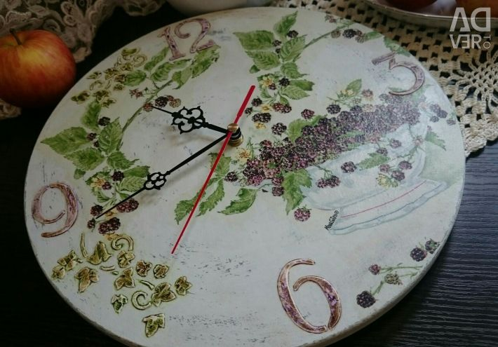 Wall clock round decoupage Blackberry