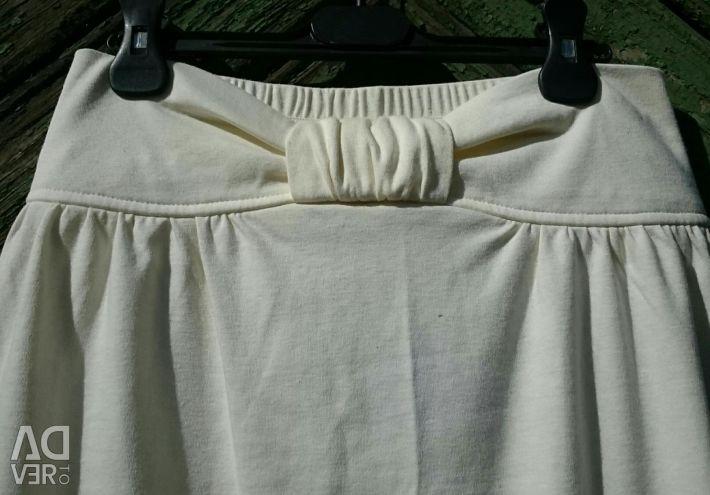 Skirt white and cream, new, Canada
