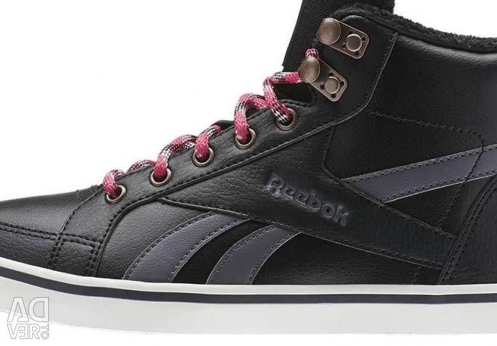 Χειμερινά πάνινα παπούτσια Reebok.