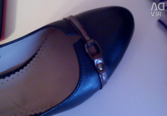 Women's leather shoes 40 р