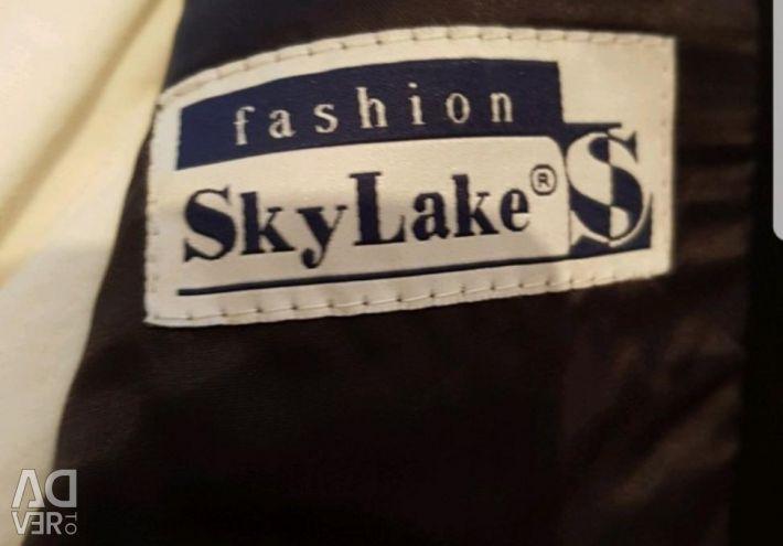 School suit Sky Lake