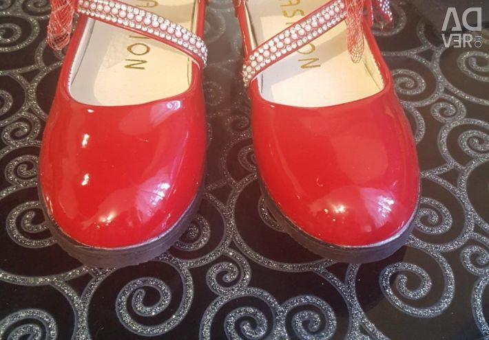 Туфлі дитячі на свято