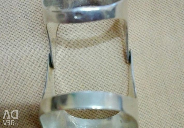 Silver ring with cubic zirkonia.