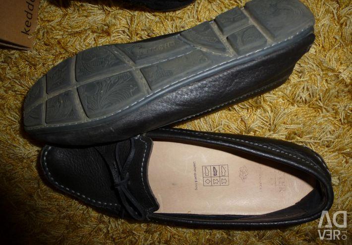 Кроссовки, макасы, ботинки 37 р