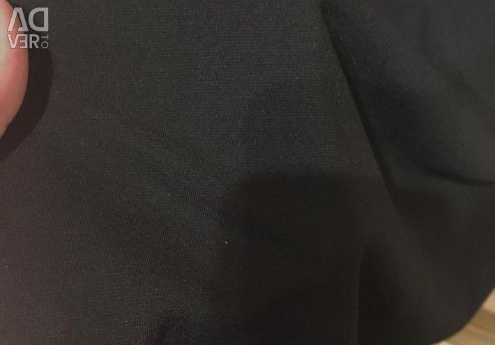 Το φόρεμα M είναι καινούργιο