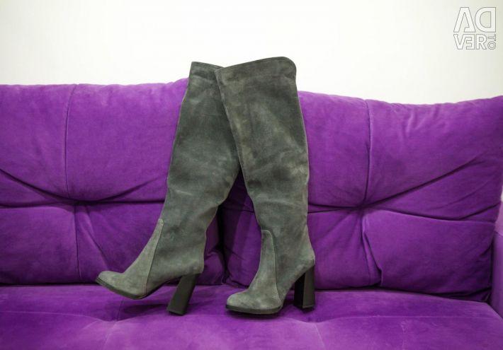 Suede μπότες πάνω από τις μπότες γόνατο