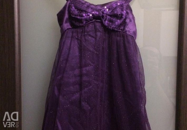 Красивое платье сиреневое р.110-116
