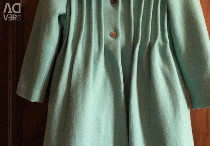 Пальто нарядное для девочки