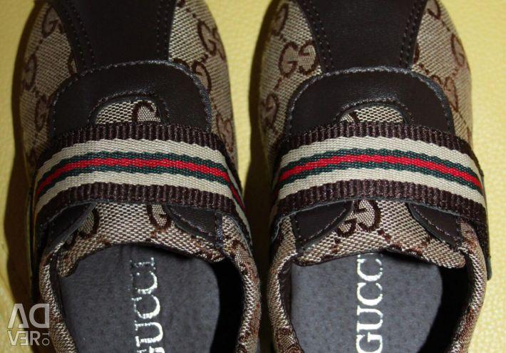 Adidasi noi Gucci 25-26 (branț 15,5-