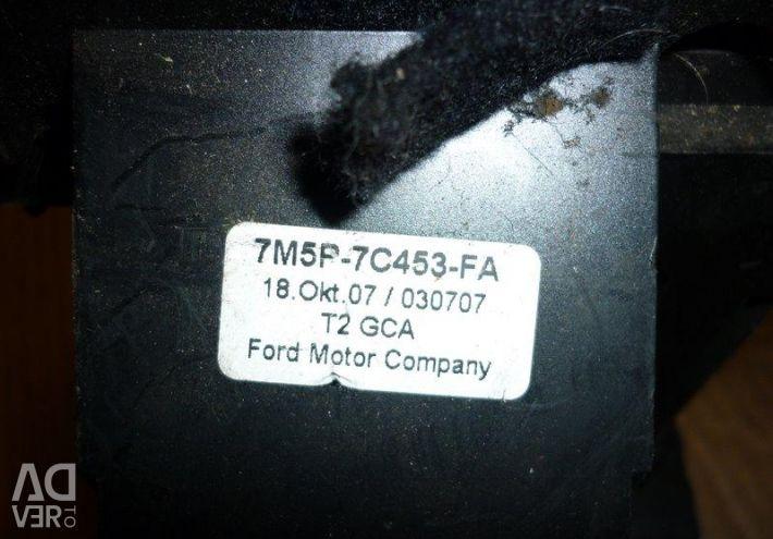 Селектор АКПП Ford Focus 2 Plus 2010