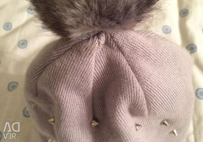 Καπέλο γυναικών με αιχμές