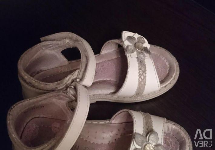 Sandals 25 size