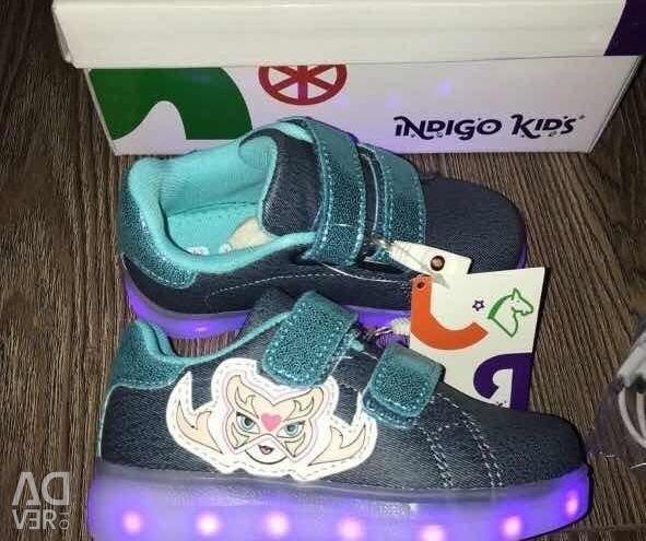 Кеды с подсветкой Indigo