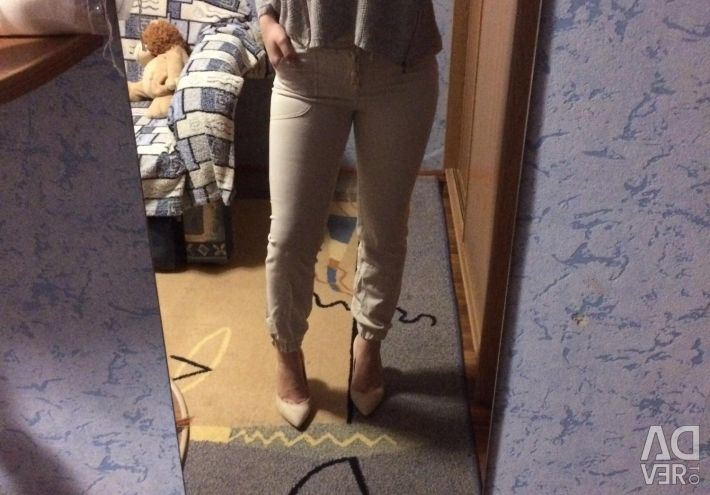 Pants with elastic