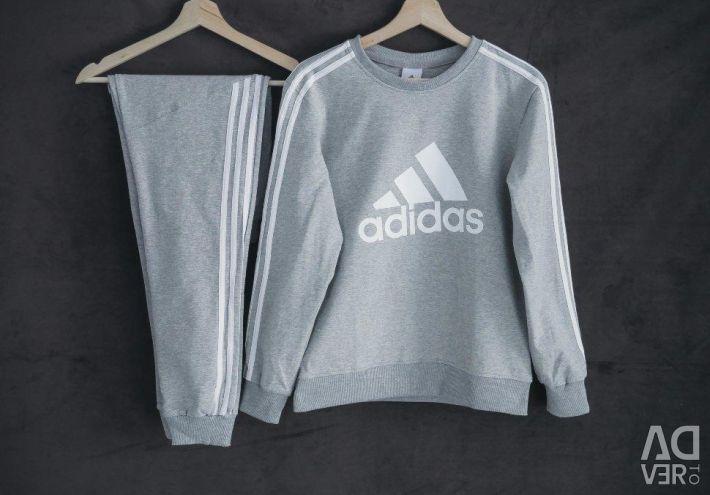 Costum gri Adidas