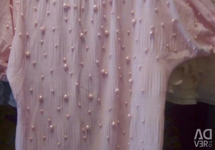 Bluză frumoasă cu margele