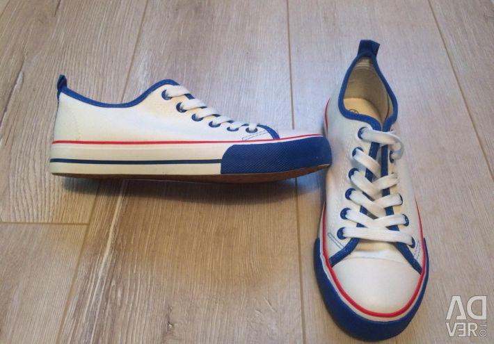 Spor ayakkabı 36-37 size