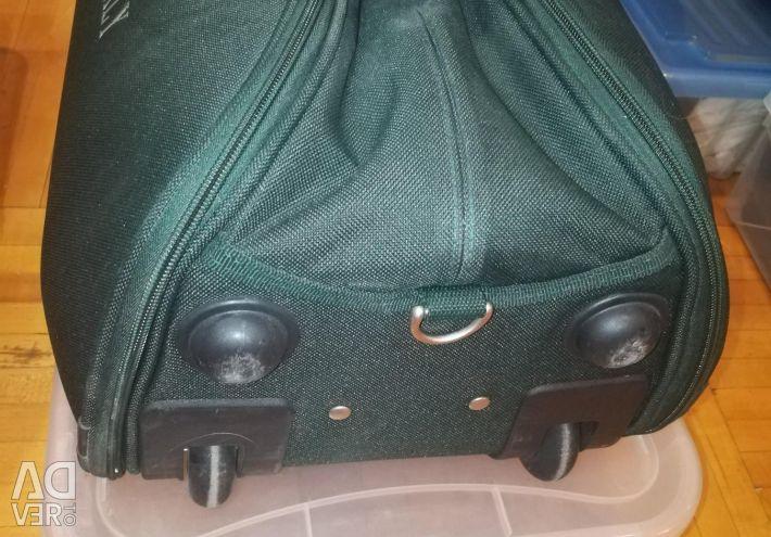 Travel case on wheels