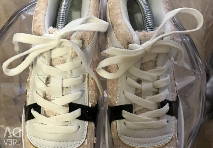DISCOUNT 20%! Sneakers CHANEL