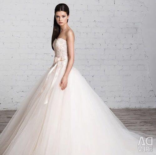 Wedding dress by Natalia Romanova