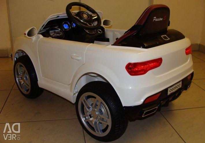 Children's electric car Audi Q7 O009OO White