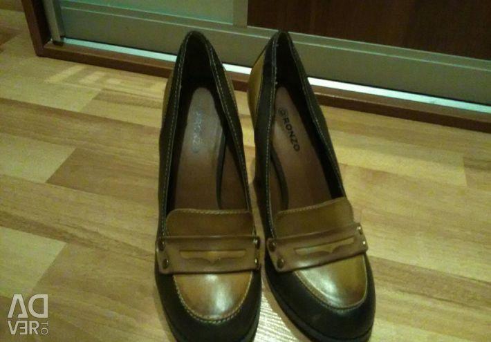 Νέα παπούτσια, σελ. 39-40