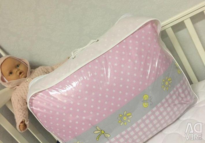 Crib set of 7 items