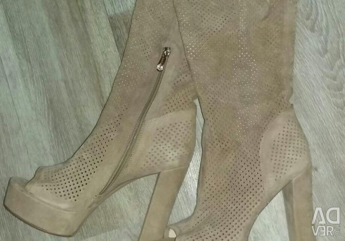 New-class boots! !!!