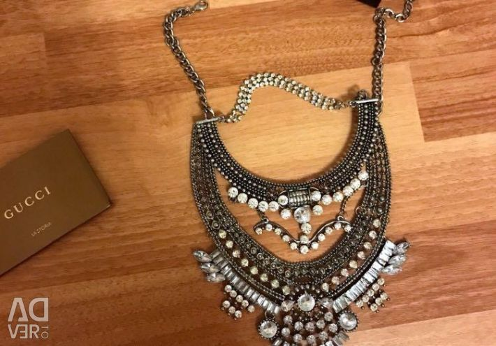 Necklace is big and gorgeous