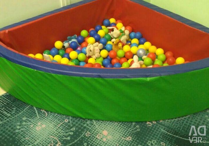 Στεγνή πισίνα με μπάλες, 130 με 130 εκατοστά