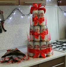 I will make a men's cake from beer and a bouquet of fish.