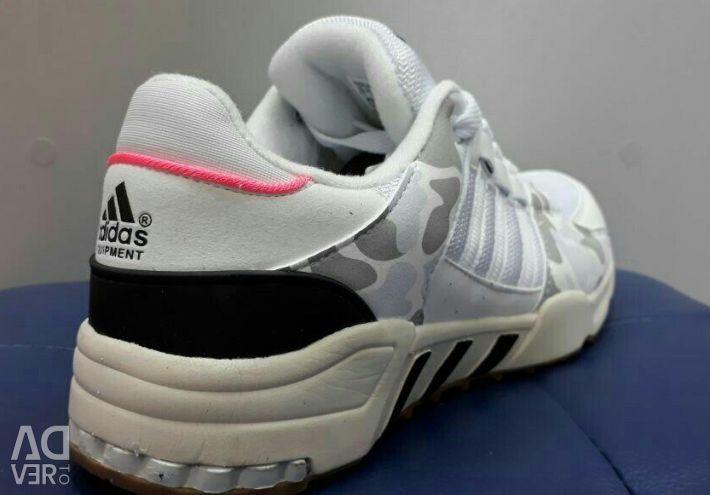 Sneakers Adidas çözümleri 38