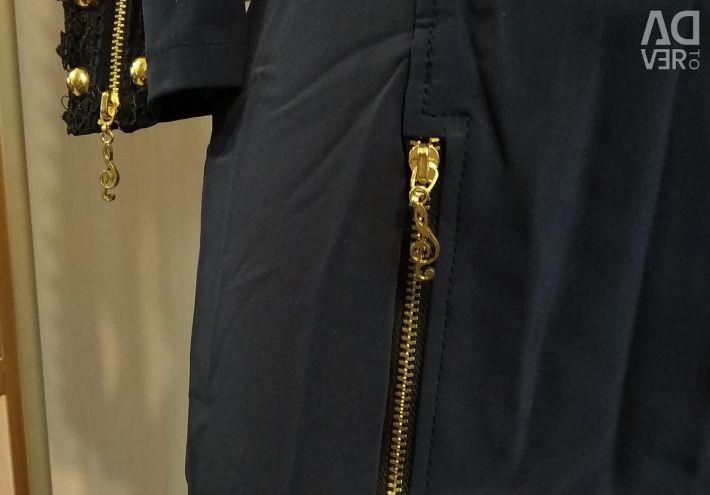 Φόρεμα με κλειδαριές καινοτομία