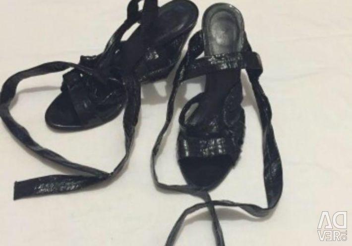 Μαύρα σανδάλια και γραβάτες ρ-ρ37,5-38