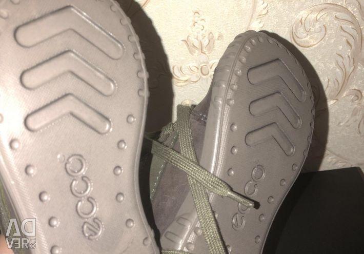 Осінні черевики Ecco, нові!