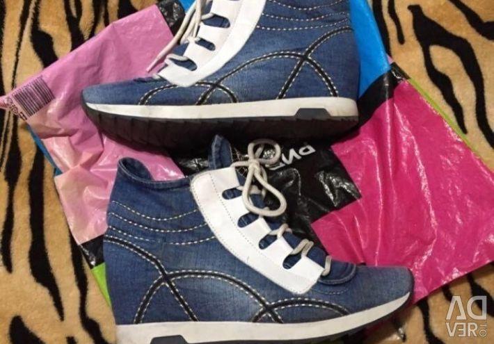 Αθλητικά παπούτσια για γυναίκες