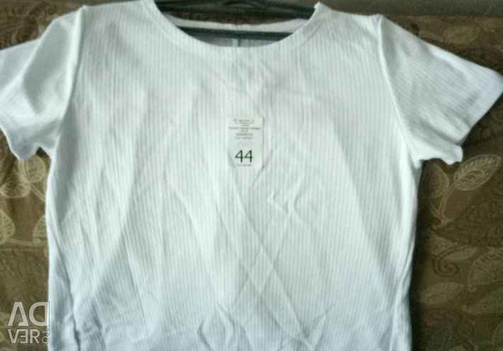 T-shirt with transparent back