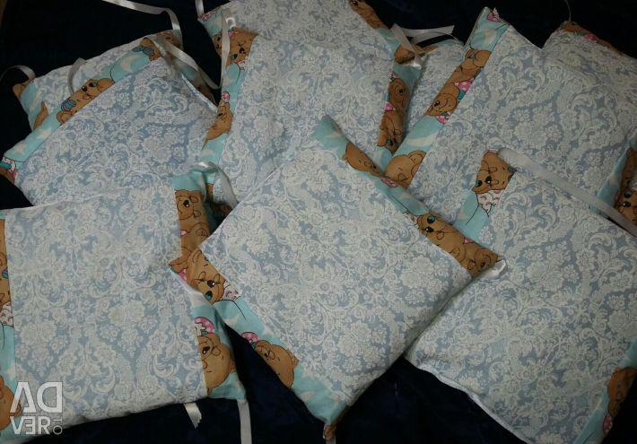 Нові бортики в кроватку
