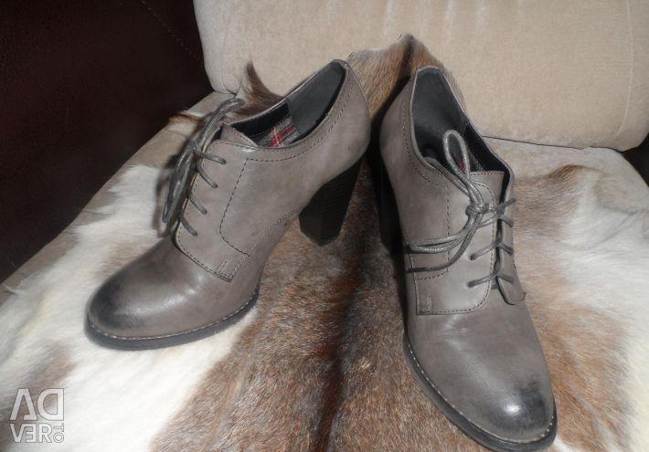Χαμηλά παπούτσια