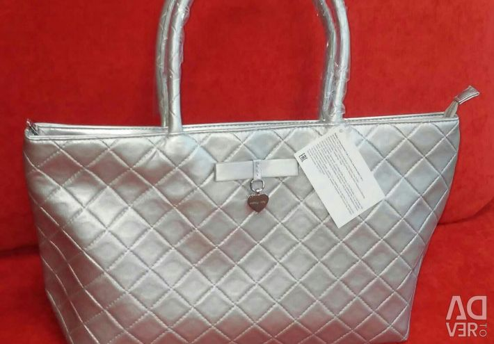Tote bag with beautician