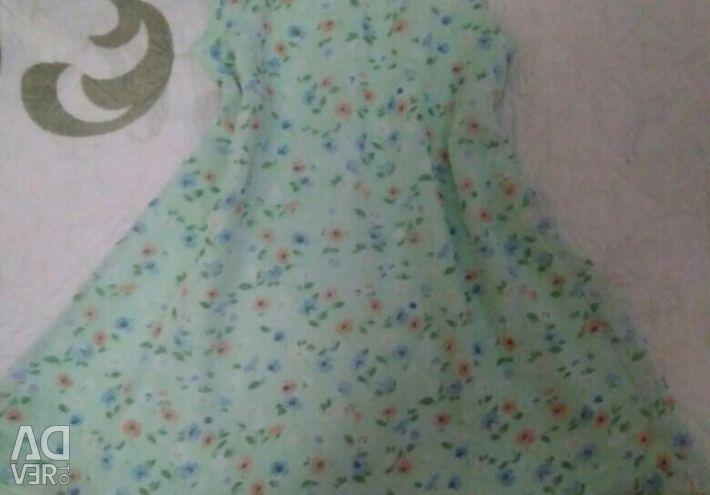 Плаття нові 2-3 роки.