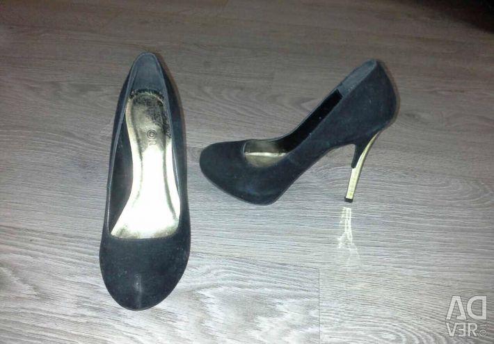 Pantofi și cizme 35-36 р-р