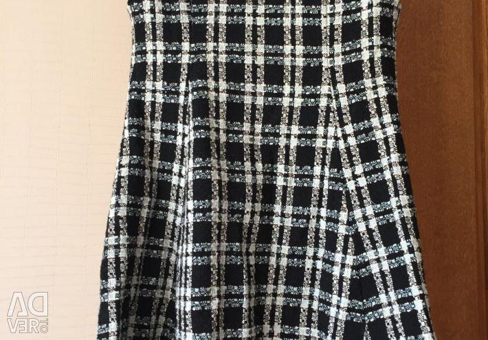 Warm dress for pregnant women