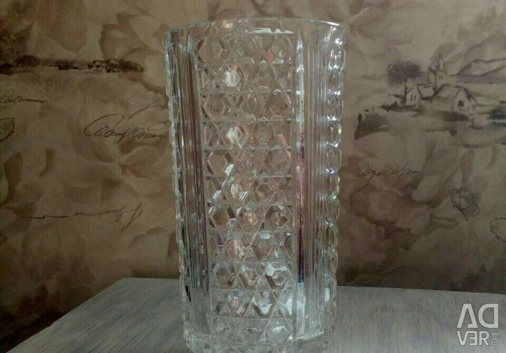 A vase for flowers. Crystal class A.