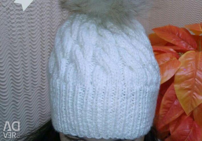 El yapımı şapka .. Doğası ile. ponpon.