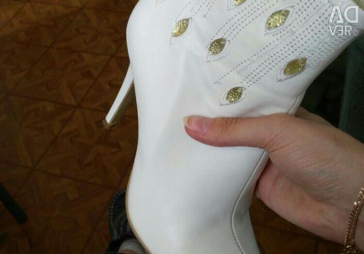 Γυναικεία μπότες (μπότες αστράγαλο)